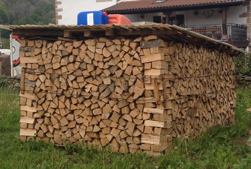 Basque Log Stack